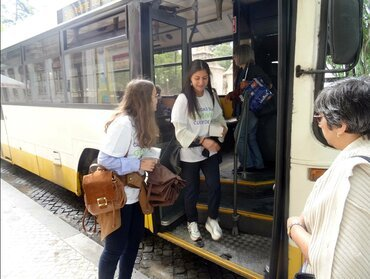 Portugal: Students hand out information in three cities